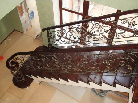 прямая лестница из бетона