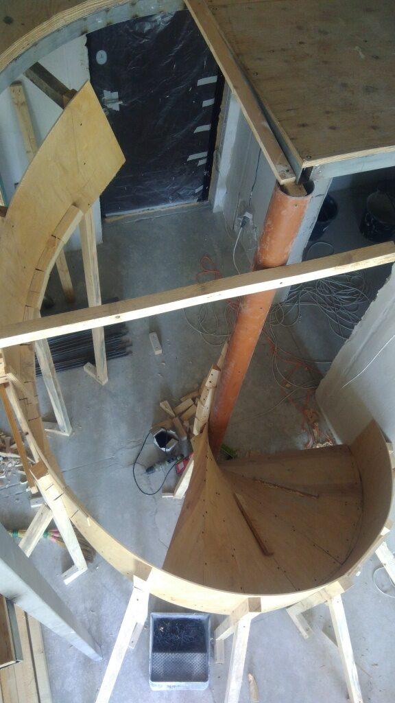 опалубка винтовой лестницы