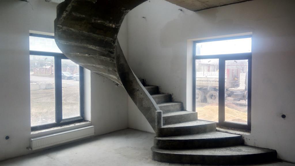 Лестница в Симферополе из бетона